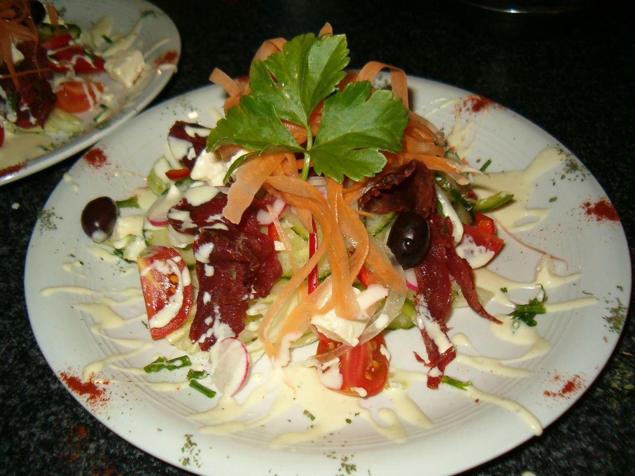 Starter smoked beef greek salad