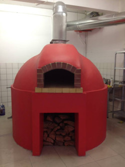 Round base pizza oven