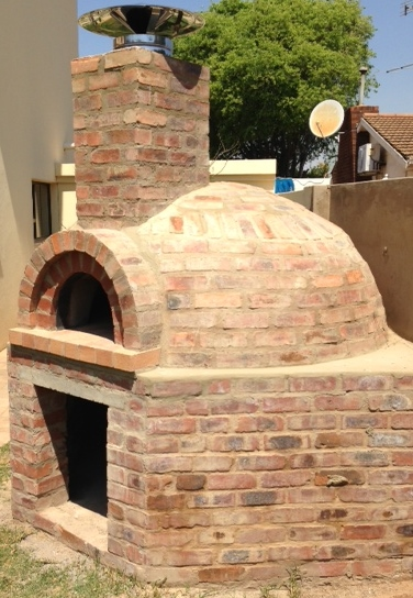 Brick dome pizza oven