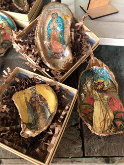 Bree Tilyou - Decoupage Oysters