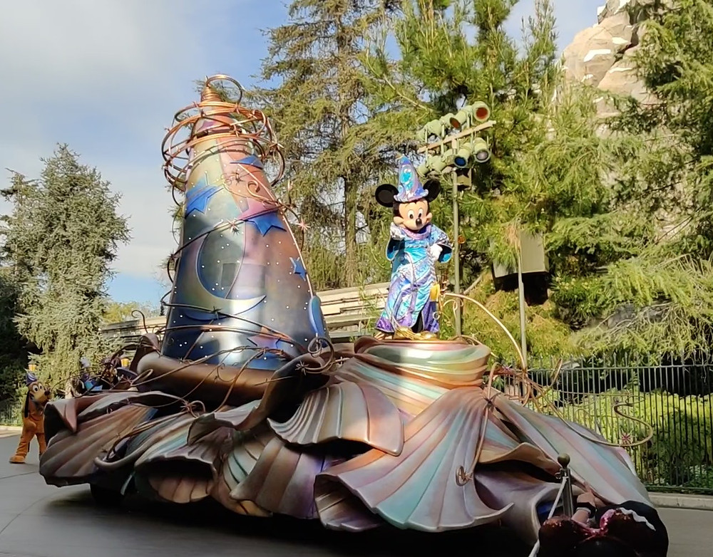 #MickeyMouse float in #MagicHappens #Parade