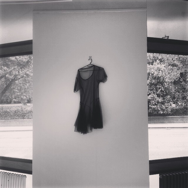 Hang in there #onset #shoot #photoshoot #location #dress #hanging #hanginthere #onthewall xx
