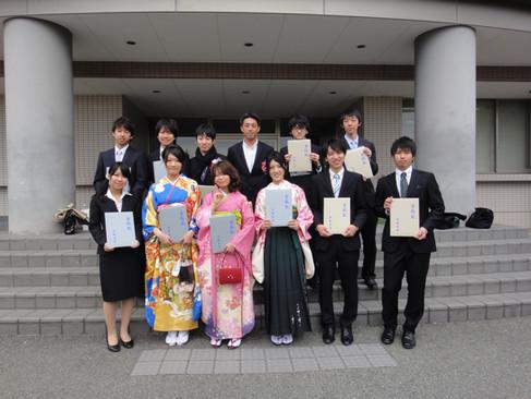 卒業式 晴れやかな笑顔です(^-^)