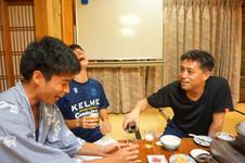 飲み会での和やかな一幕(ラボ旅行@京都1日目)