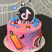 TikTok Cake | Munch it PASTRY SHOP
