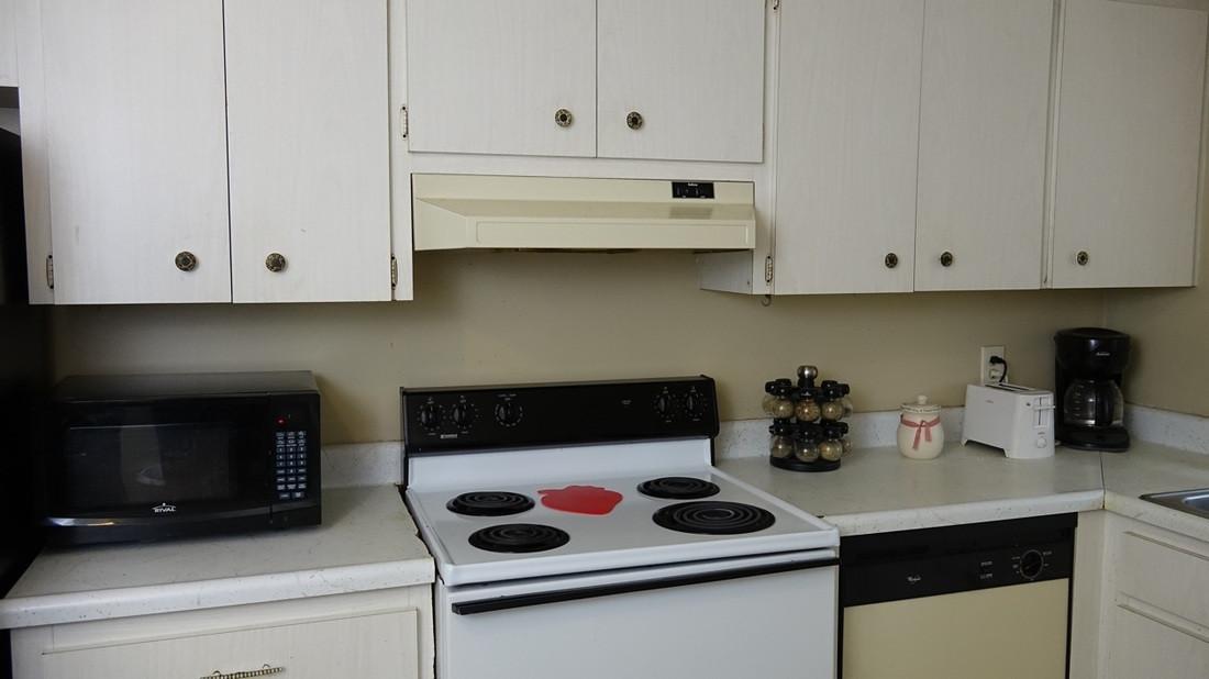 Druid Apartments Kitchen