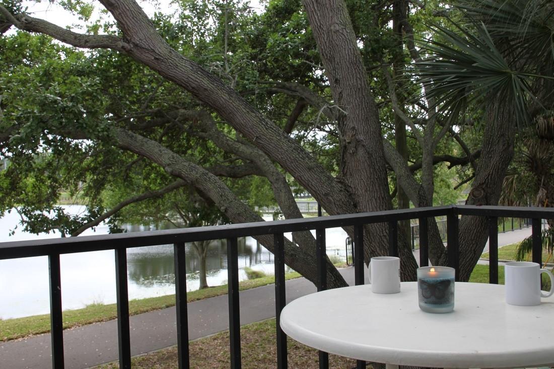 Parkside Apartments Balcony