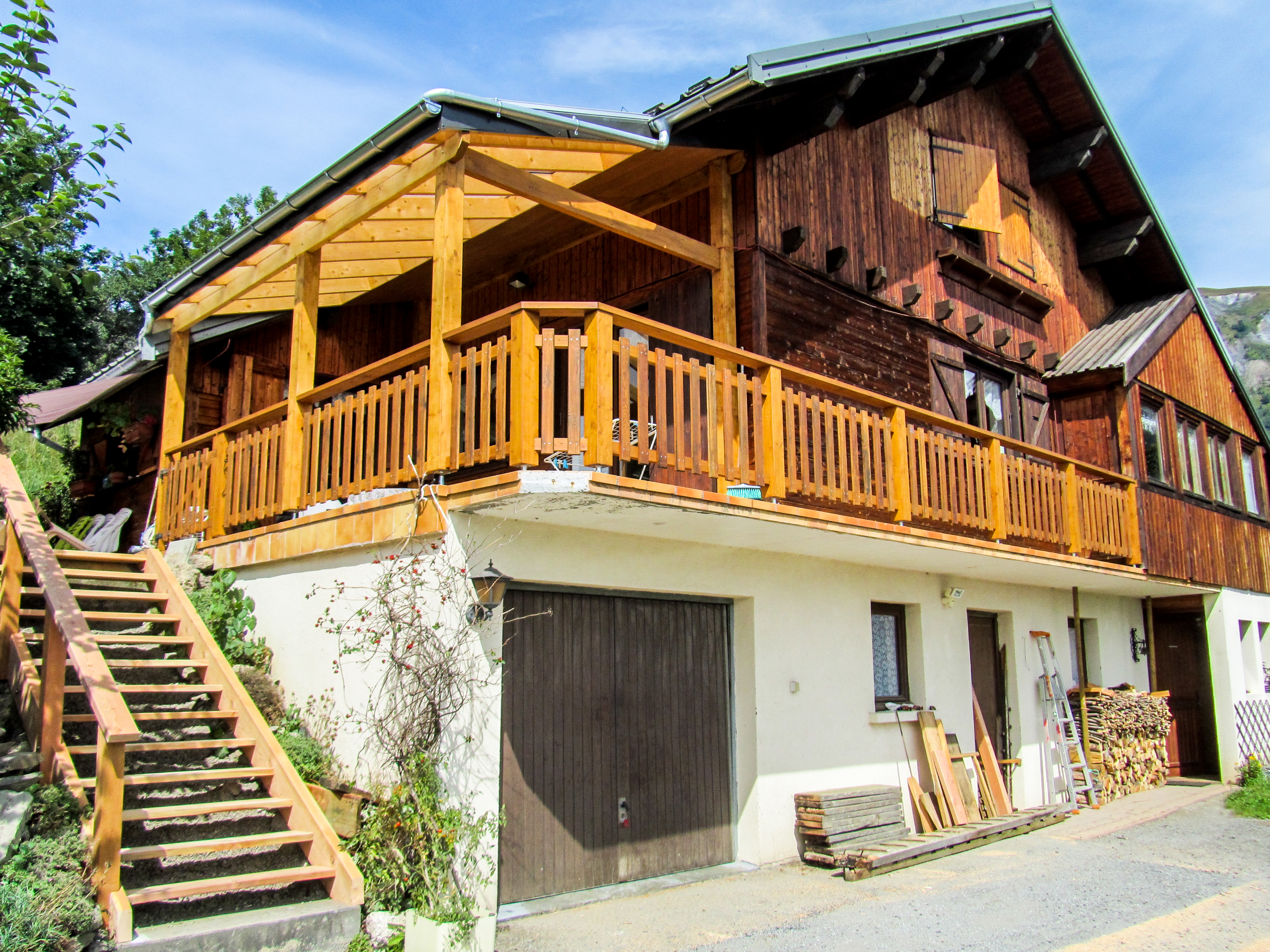 Charpentier-isere-france-tiny-house
