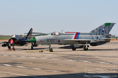 Thunder Over Michigan - 2010  Mikoyan-Gurevich MiG-21 Fishbed  Mikoyan-Gurevich MiG-17 Fresco  Will Ward