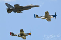 Thunder Over Michigan - 2019  General Dynamics F-16C Fighting Falcon  North American P-51D Mustangs  Heritage Flight
