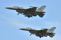 Luke AFB - Feb 21, 2017  General Dynamics F-16D Fighting Falcon 62nd Fighter Squadron 'Dawgs'  General Dynamics F-16C Fighting Falcon 309th Fighter Squadron 'Wild Ducks'  United States Air Force