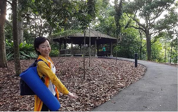 Elaine of SunUp Yoga at the Botanic Gardens