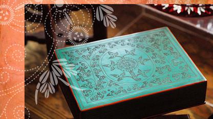 ミャンマーの美しい緑の小箱