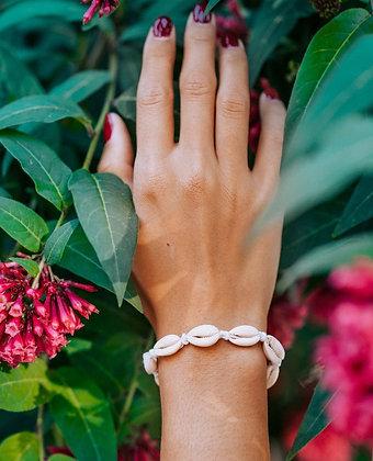 Knot Shell Bracelet