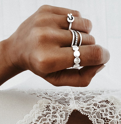 Circular Love 925 Sterling Silver Ring