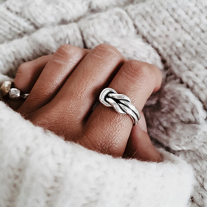 Classic Knot 925 Silver Ring