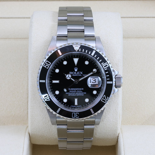 Rolex Submariner 16610 - V Serial - Box & Papers