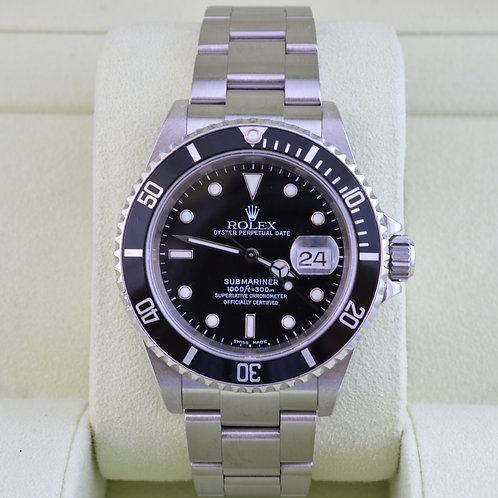 Rolex Submariner Date 16610 - Box & Papers