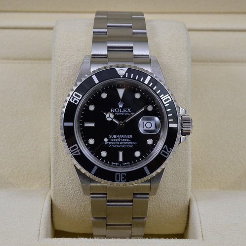 Rolex Submariner Date 16610 No Holes Case - Box & Papers