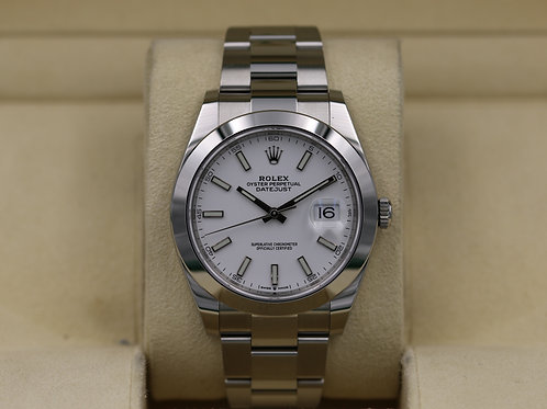 Rolex DateJust 41 126300 White Dial Smooth Bezel - 2019 Box & Papers
