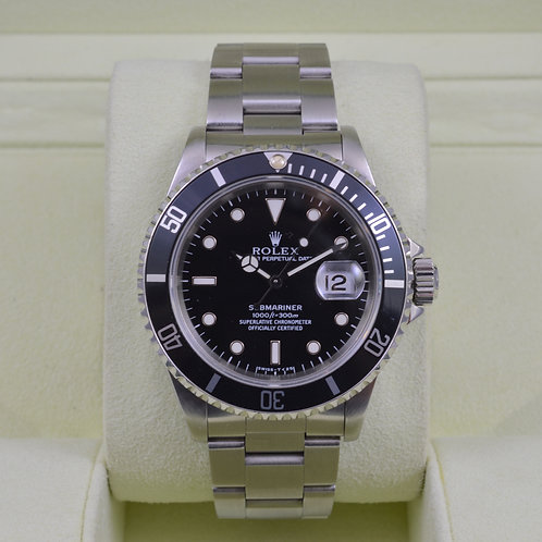 Rolex Submariner 16610 - Box & Papers