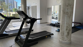 Lovely 5 room garden apartment opposite the beach with Gym