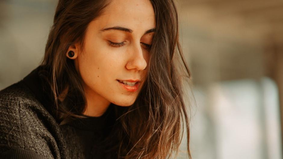Andrea, una cantante macedonia que conquista Lationamérica.