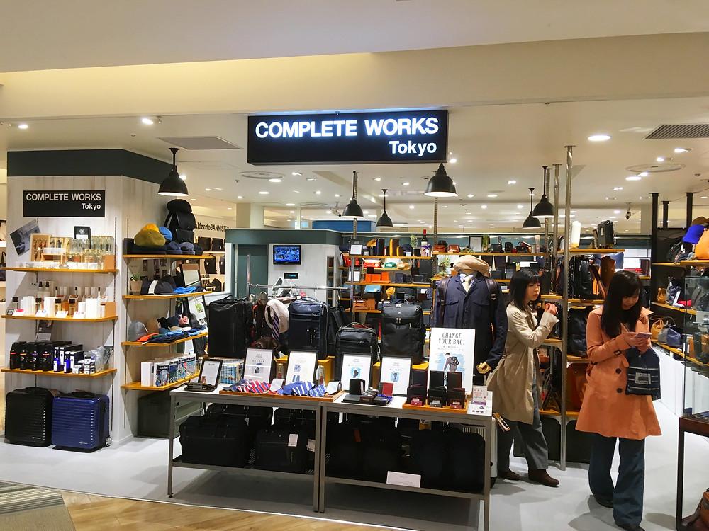 COMPLETE WORKS Tokyo 新宿ルミネ店エントランス