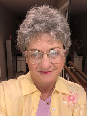 Granny look with wig Sandy Gulliver Midwest actor