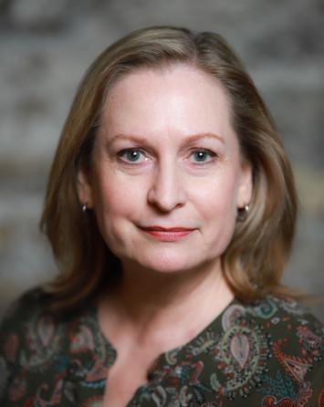 Ann Myrna theatrical headshot