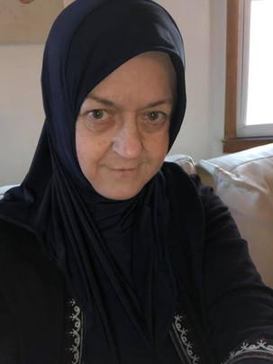Muslim look Sandy Gulliver actor from Arranged