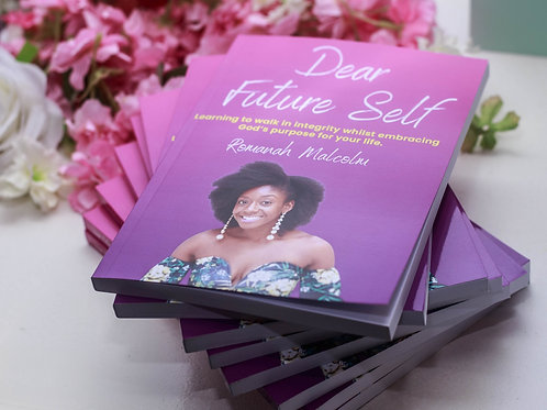 5 DEAR FUTURE SELF BOOKS