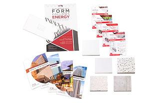 Invitacion con sobre, muestras de mano con contenedor y folletos de USG en Impresión Digital.