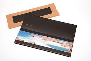 Libro de arte Horizontes con fajilla - abierto