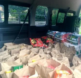 Food parcels for Villiersdorp