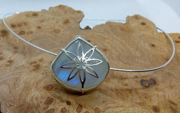 Blue moonstone & flower pendant