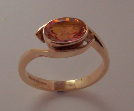 9ct gold & Mystic topaz ring