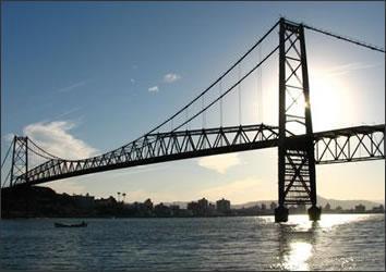 MPC-SC investiga desperdício de dinheiro na Ponte Hercílio Luz