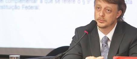 AMPCON quer anular posse de deputada no TCE-SE