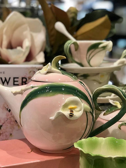 Tea Pot Calla Lilly