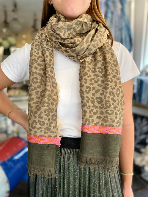 Scarf Leopard Print w/ detail trim