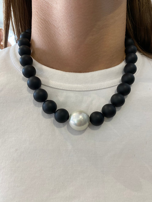 Moko Black and Pearl Necklace