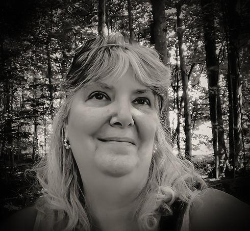 selfie summer black and white.jpg