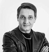 Валерий Баранов преподаватель школы барберов BARBERSHOP163