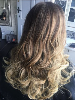 blonde balayage with multi tonal blondes adding dimension and ultimate light pieces.