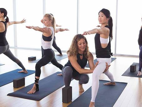 Har du vurdert å ta en yogalærerutdanning ?