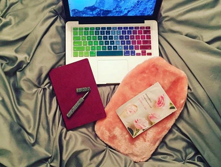 Laptop notebook pen packing