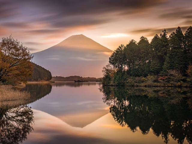 Fuji-San au lever de soleil