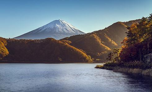 Mount-Fuji in Fall-Nicolas Wauters