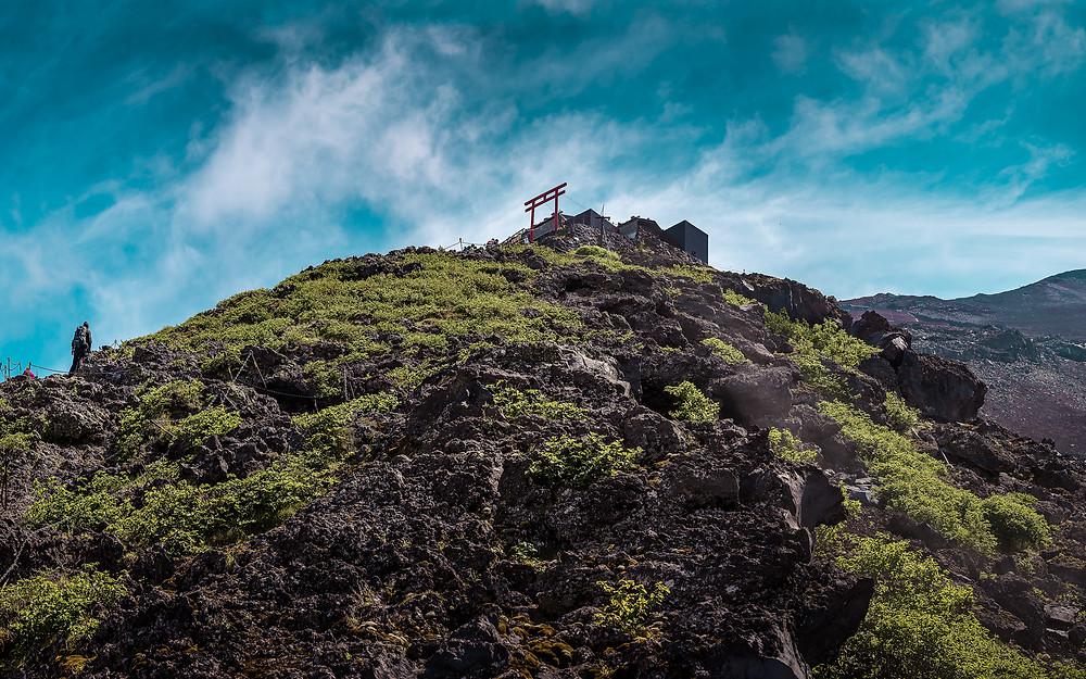 A view of the mount fuji Yoshida trail